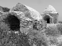 "Two types (""acute arched"" and ""beehive"") of burial chambers of the Roman/Early Christian necropolis of Palatia site, Saria islet (Dodecanese)"